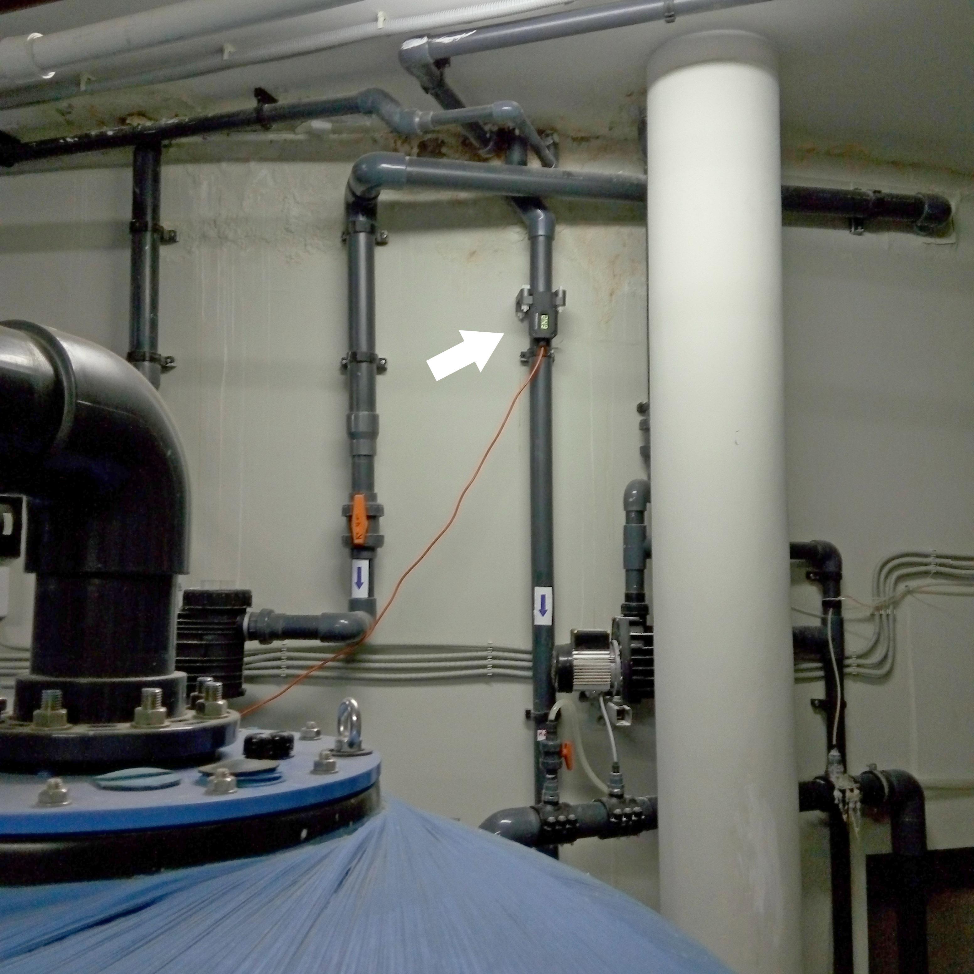 Устройство WS установлено перед системой водоподготовки детского бассейна