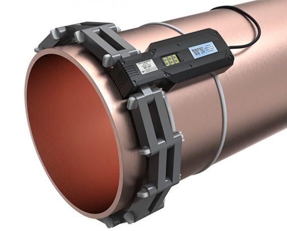 WS-333 ферритное противонакипное устройство установлено на трубе